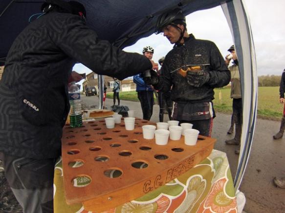 Ravitaillement - Ronde verte de la Pévèle VTT 2014 - Bersée