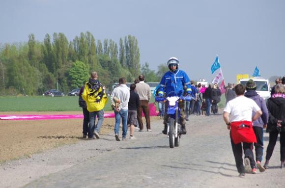 Paris Roubaix 2014 - Pavé de Gruson - motard