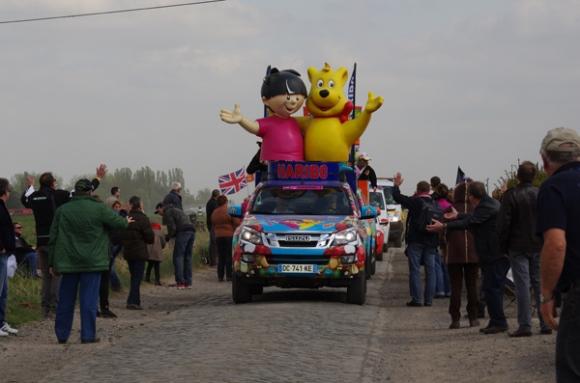 Paris Roubaix 2014 - Pavé de Gruson - caravane