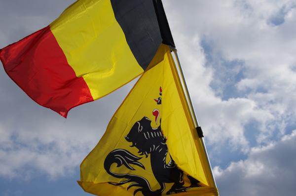 Paris Roubaix 2014 - Pavé de Gruson - drapeaux