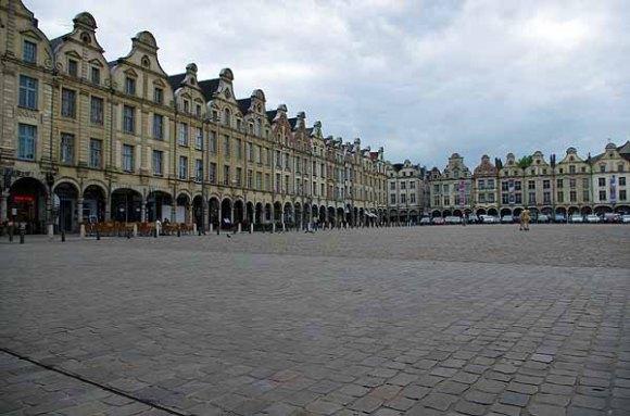 Arras Grand Place - Le dormeur du val