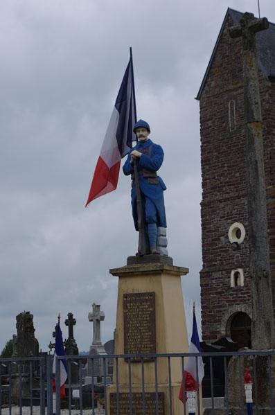 Monument aux morts Saint Ouen des Besaces - Calvados