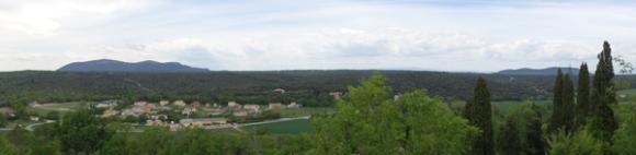 Panorama vu des remparts de Lussan